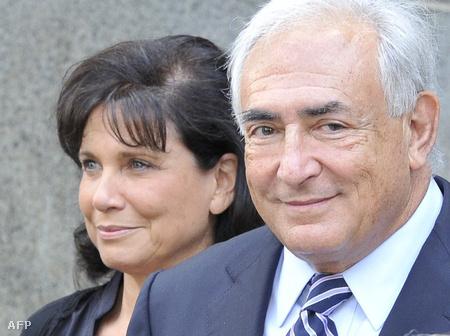 Strauss-Kahn megérkezik a tárgyalásra