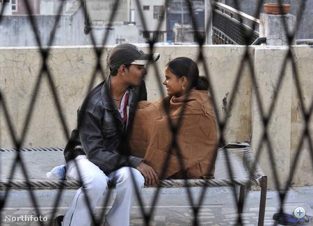 Egy pár, akit a Szerelemkommandó megmentett: Arti Kumar (21) és Sanjay Kumar Kateria (22)