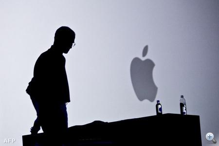 """2010 - Júniusban mutatta be az Apple az új iPhone 4-et, aminek a legnagyobb újdonsága a hatalmas felbontású """"Retina Display"""" volt."""