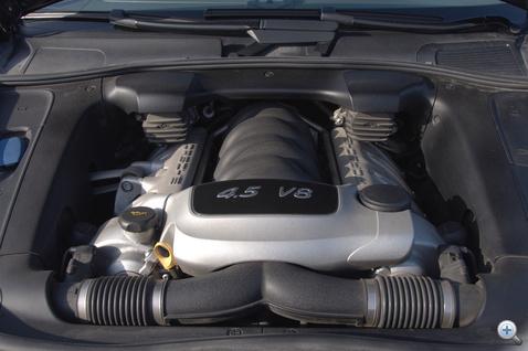 340 lóerő, 500 newtonméter. Van még kérdés?