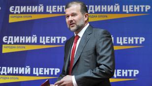 Kárpátalja kormányzója: Helyi oligarcha pártja rendelte meg a magyarellenes óriásplakátokat