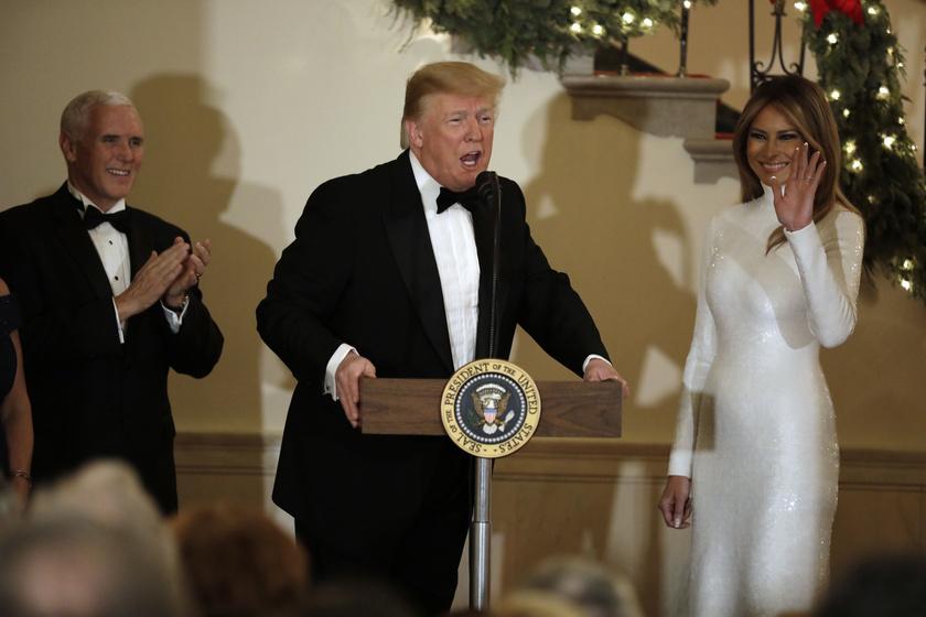 Melania Trump férjével tartott közös sajtótájékoztatót a Kongresszusi Bál előtt. A first lady ellopta a show-t.