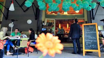 Egy belvárosi étterem nemcsak enni ad a hajléktalanoknak, de munkát is kínál nekik