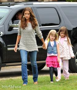 Denise Richards és lányai