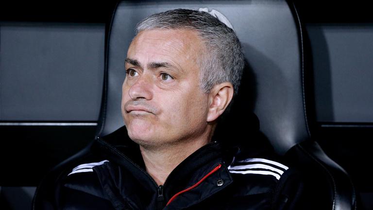 José Mourinhót kirúgta a Manchester United