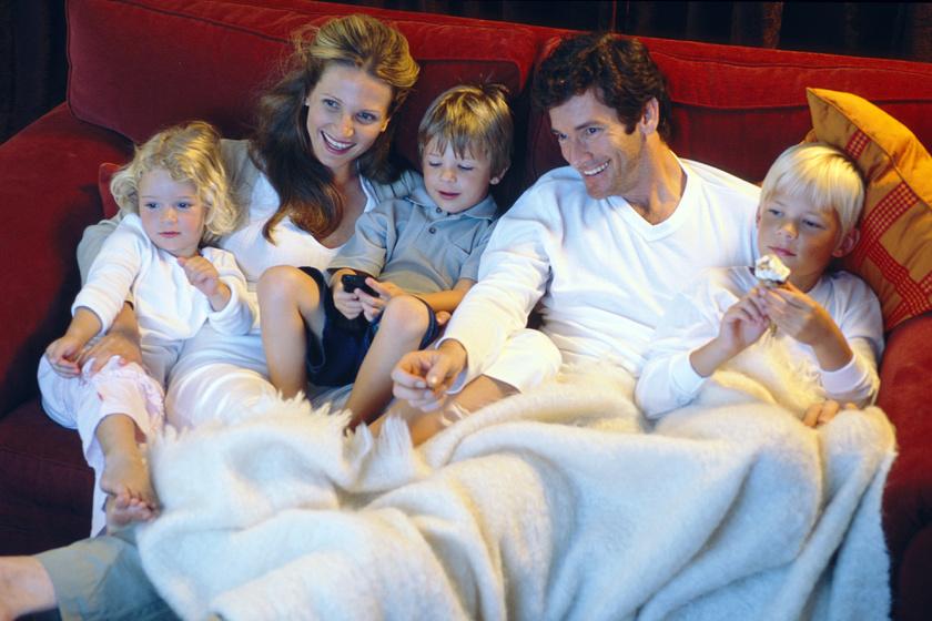 Nosztalgikus hangulat a tévé előtt: kedves emlékeket idéző családi filmek a 80-as, 90-es évekből