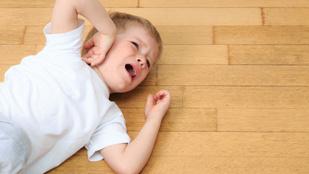 Így kerüld el, hogy túlpörögjön a gyerek az ünnepek alatt