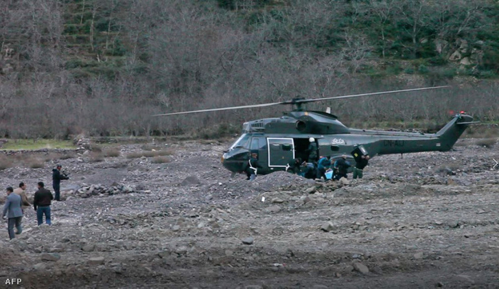 Helikopter a gyilkosság helyszínén