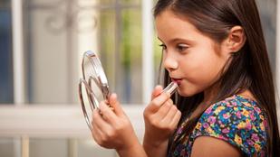 Tényleg felnőtt nő lesz a kislányokból a sminktől?