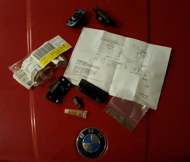 Majdnem plug and play: lamellasor, zsírtöltet és a mechanika is benne van a csomagban. A német leírás korhű és autentikus, amúgy nihtferstén...