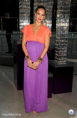 Jessica Alba egy díjkiosztón idén júniusban