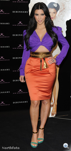 Kim Kardashian saját parfümét mutatja be szintén idén júniusban