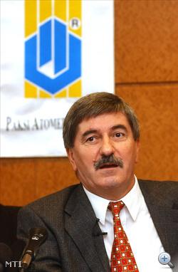 A Magyar Villamos Művek Rt. 2004 december 23-i rendkívüli közgyűlése a többségi tulajdonos ÁPV Rt. előterjesztése alapján Kocsis Istvánt, az MVM Rt. igazgatóságának tagját, megbízott vezérigazgatót 2005. január 13-i hatállyal a társaság vezérigazgatójává nevezte ki.
