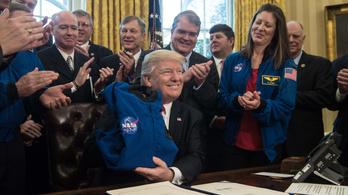 Trump aláírta az űrhadosztály főparancsnokságának felállításáról szóló rendeletet