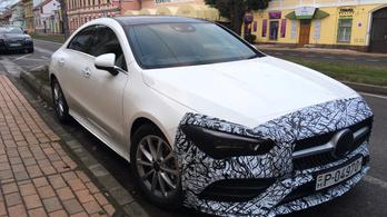 Szegeden fotózták az új magyar Mercedest