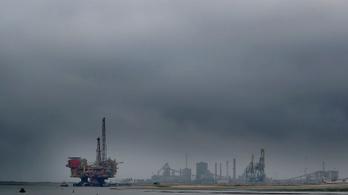 Donald Trump és a Hasogdzsi-hordók, zsarolások az olajpiacon