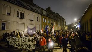 Országszerte és külföldön is folytatódtak a tüntetések az Orbán-kormány ellen