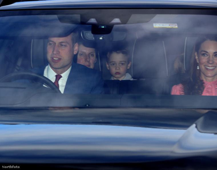 Nagyon reméljük, hogy György herceg még hosszú ideig nem fogja elveszteni azt a tulajdonságát, hogy képtelen uralkodni a grimaszain, így mindig le lehet olvasni az arcáról, hogy mennyire jön be neki egy-egy szituáció