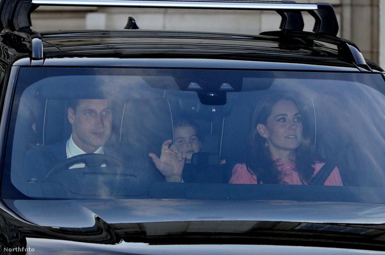 Lajos herceg vélhetően túl fiatal korára hivatkozva ezt az eseményt is kihagyta, de bátyja mellett Sarolta hercegnő természetesen a szüleivel tartott az ebedére.