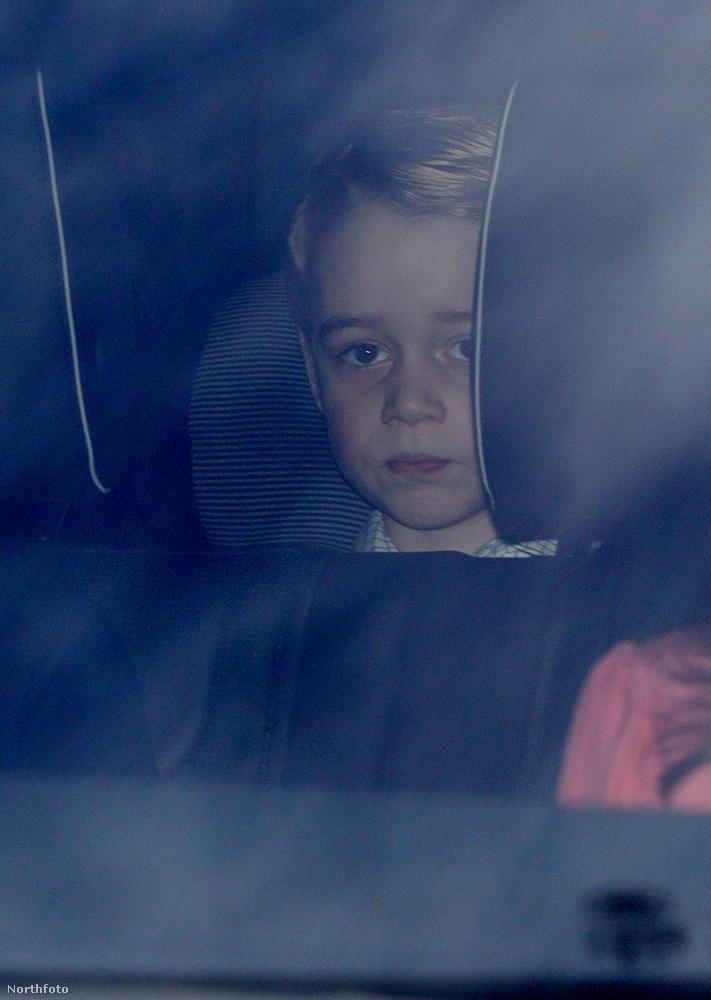 György herceg akkor is olyan, mint egy átlagos gyerek, mikor iskolába kell menni, és akkor is, ha egy családi banzáj miatt kell megszakítania az egyéb, sokkal fontosabb teendőit, mint például azt, hogy játsszon.