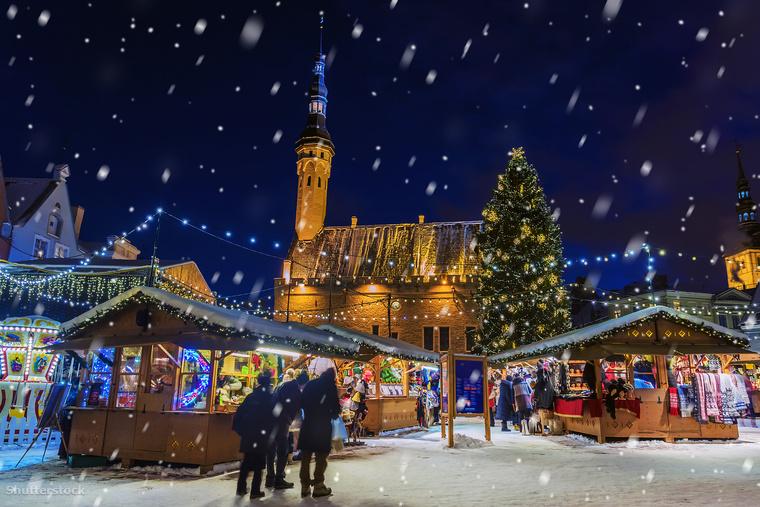 Az észtek a hagyományaik szerint nem igazán kedvelik a nagyon csicsás, csillogós karácsonyi dekorációkat, úgyhogy ha olyan helyet keresel, ahol meg tudod magad ezektől kímélni, akkor irány Tallinn