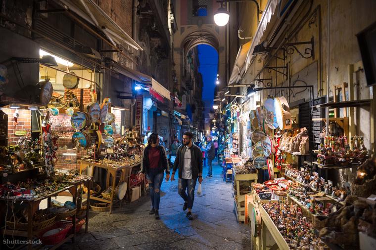 Nápolyban a karácsony talán az egyik legnagyobb ünnep, hiszen ha lehet hinni a történészeknek, itt készült a világ első betlehemese