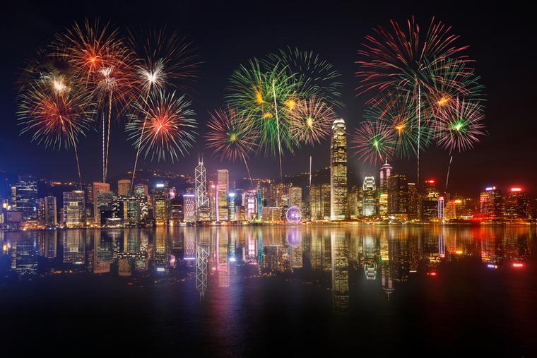 Hongkongba nem csak azért lehet érdemes ellátogatni ilyenkor, mert kellemes, 20 fok körüli idő vár, és a turista is kevesebb, de az alacsony adóknak köszönhetően a bevásárlás is nagyobb élvezet
