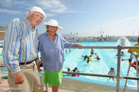 Bill és Thelma Donald Plymouthban