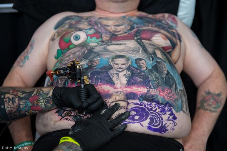 Ez a kép a Nagy Brit Tetoválásshow-n készült