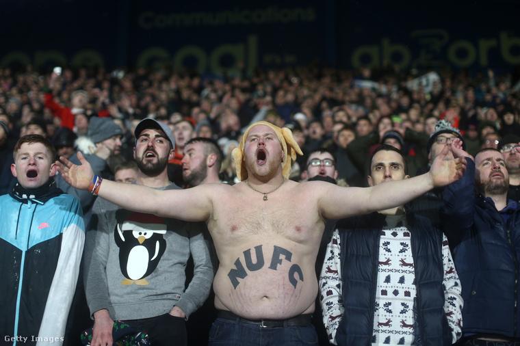 Ugyanezt a pózt tudja a Newcastle United szurkolója is.
