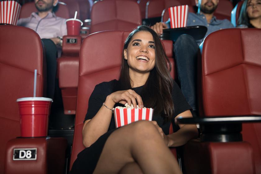 egyedul-boldog-mozi
