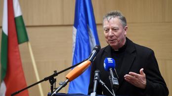 Beer püspök: Nincs más eszköze az ellenzéknek, hogy megszólaljon