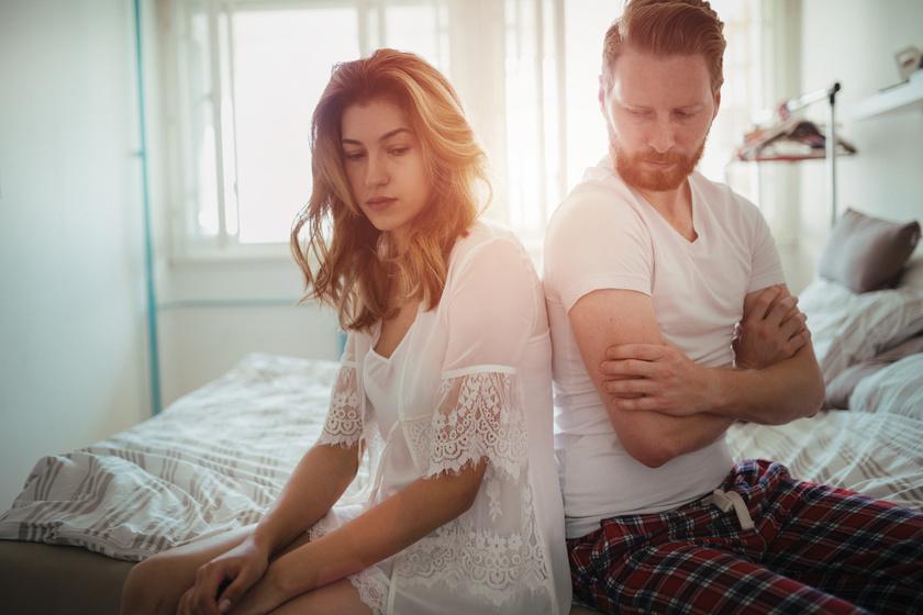 Miért maradnak az emberek a boldogtalan kapcsolatokban? Nem a pénz vagy a kényelem az oka