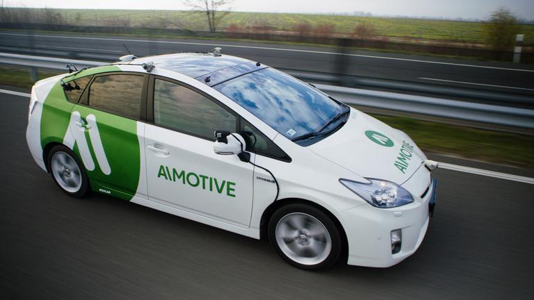 Magyar gépagy hajtja meg a jövő autóit