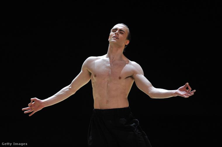 Matthew Ball brit balettművészről ez a portré április 13-án készült.