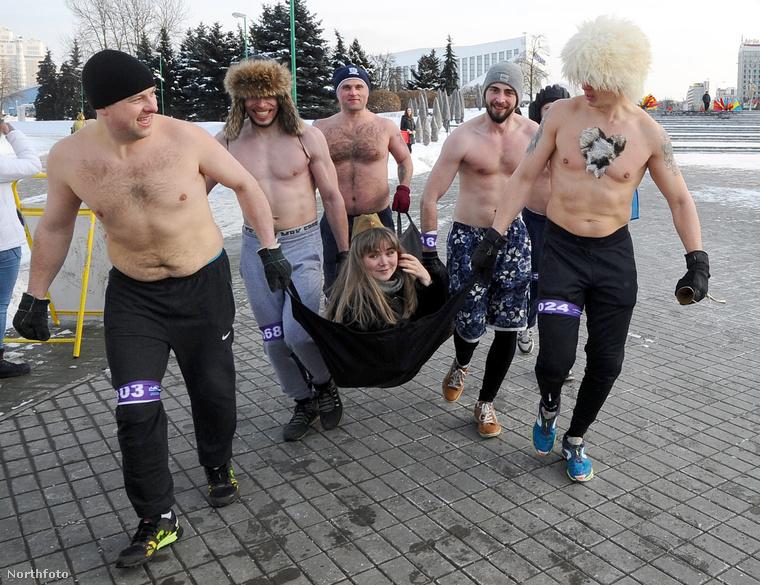 Ez a kép február 23-án készült Minszkben, feltehetőleg rohadt hideg lehetett