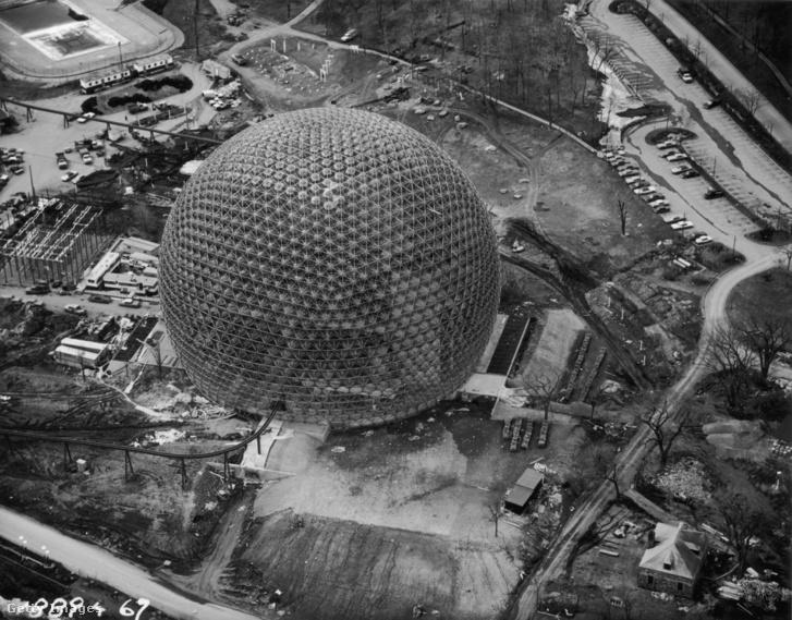 Fuller egyik remekműve, az Egyesült Államok pavilonja az 1967-es montreali világkiállításon