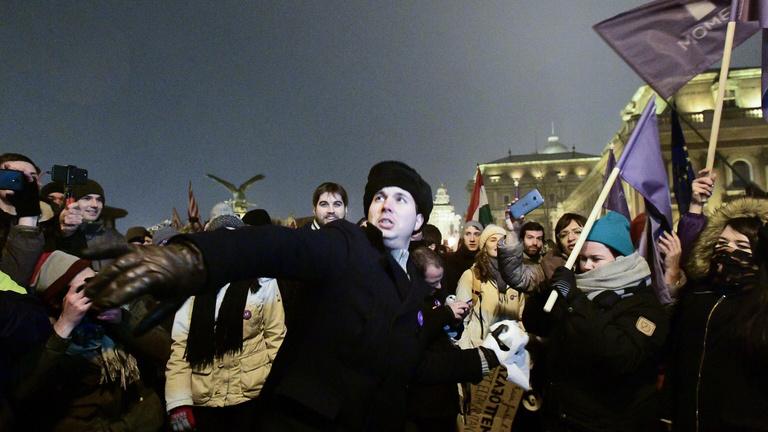 Karácsony előtt három nappal is sok ezren tüntettek