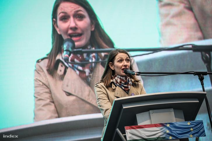 Donáth Anna Júlia
