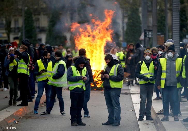 Sárga mellényes tüntetők Nantes-ban 2018. december 22-én