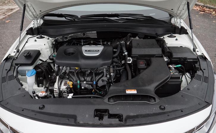 Az 1,6 literes T-GDI turbómotor 180 lóerős és 256 newtonméter a legnagyobb forgatónyomatéka, mely már 1500/perc fordulatszámtól elérhető és szinten is marad 4500-ig
