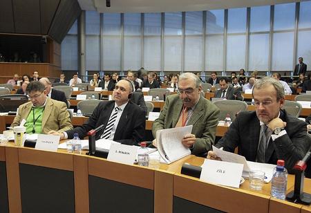 Derk Jan Eppink (Belgium) Peter van Dalen MEP (Hollandia) és Bokros Lajos az ECR 2009. december 8-i, brüsszeli ülésén.