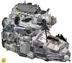 Renault dci motor váltóval. A segédberendezésektől már nem látszik maga a motor.