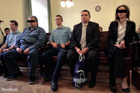 Deme Gábor másodrendű vádlott a bíróság előtt, idén májusban