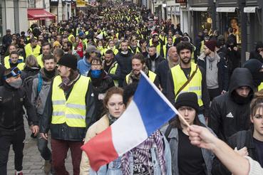 A sárgamellényesek újabb tüntetése már kisebb létszámú és csendesebb volt, mint a korábbiak, de azért így is voltak összecsapások a rendőrséggel.
