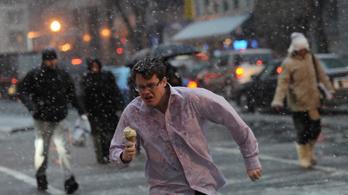 Sokfelé esővel, havas esővel indul a hétfő