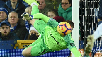 Féltucat gólt kapott az angol válogatott kapusa