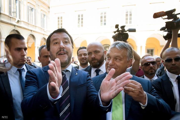 Matteo Salvini olasz belügyminiszter fogadja Orbán Viktor miniszterelnököt a milánói városházán 2018. augusztus 28-án.