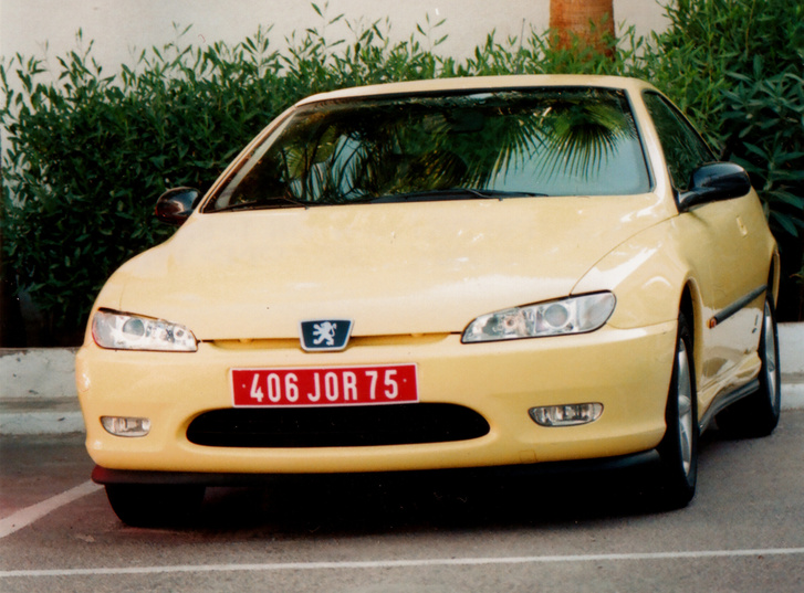 A 406 Coupé, kissé elcseszett expozícióval