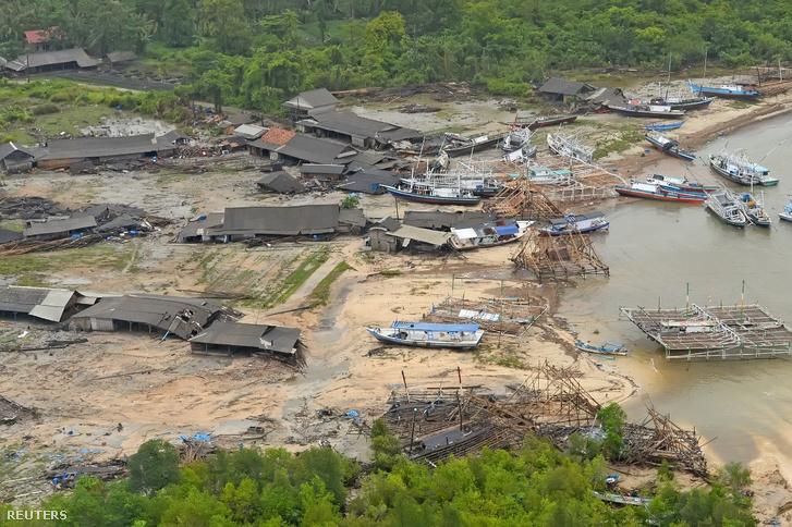 Pandeglang partja a cunami elvonulása után